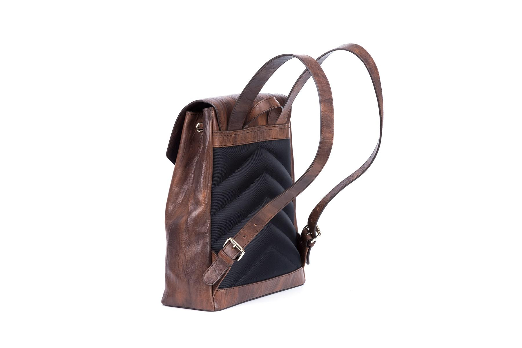 Backpack vegetable tanned leather 10 litres cover with rope lock
